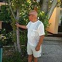 Михаил, 69 лет