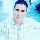 Идият, 26 лет